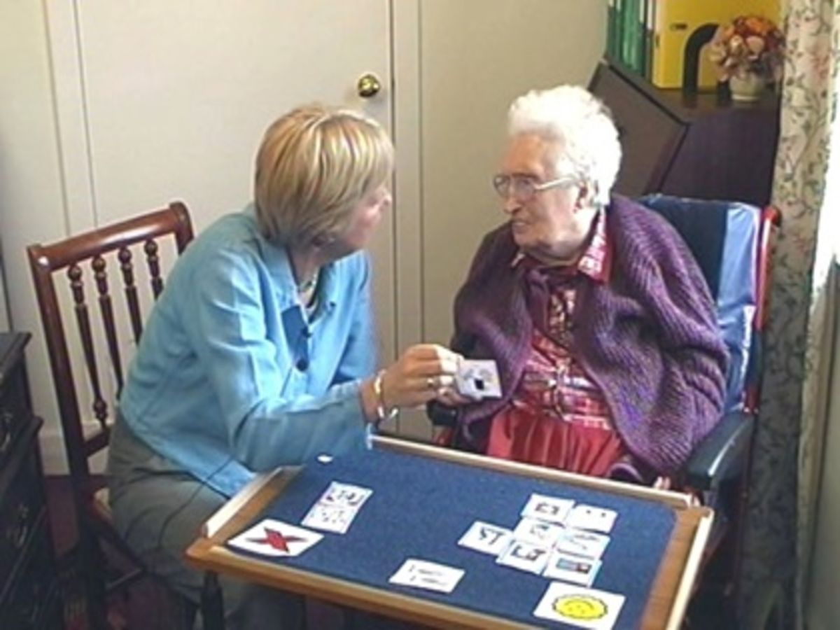 10 savjeta uz koje posjećivanje osobe s demencijom više neće biti strašno!